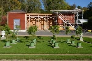 Orangeriet på Gunnebo slott under uppbyggnad.