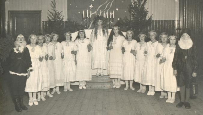 Lucia på 1930-talet Svedvi Berg hbf bygdeband.se